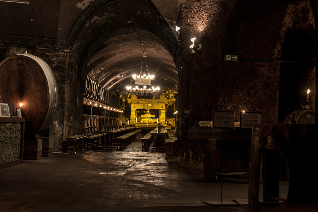 cellar-554406_1280