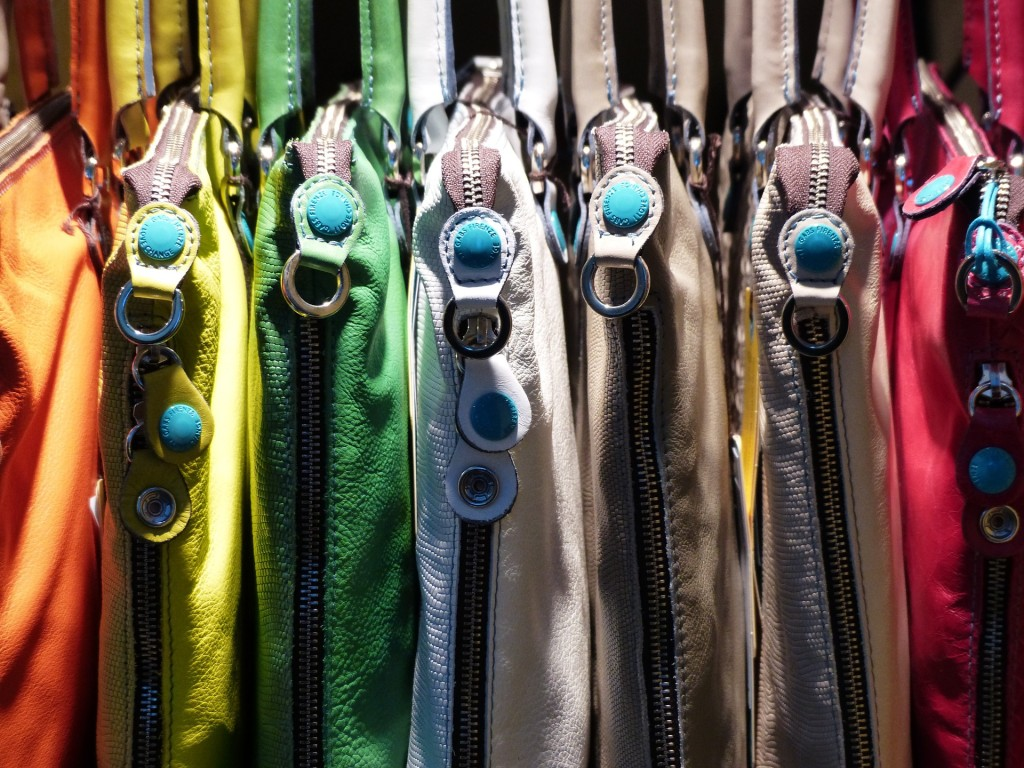 Sbírka kabelek obyčejné shopaholičky