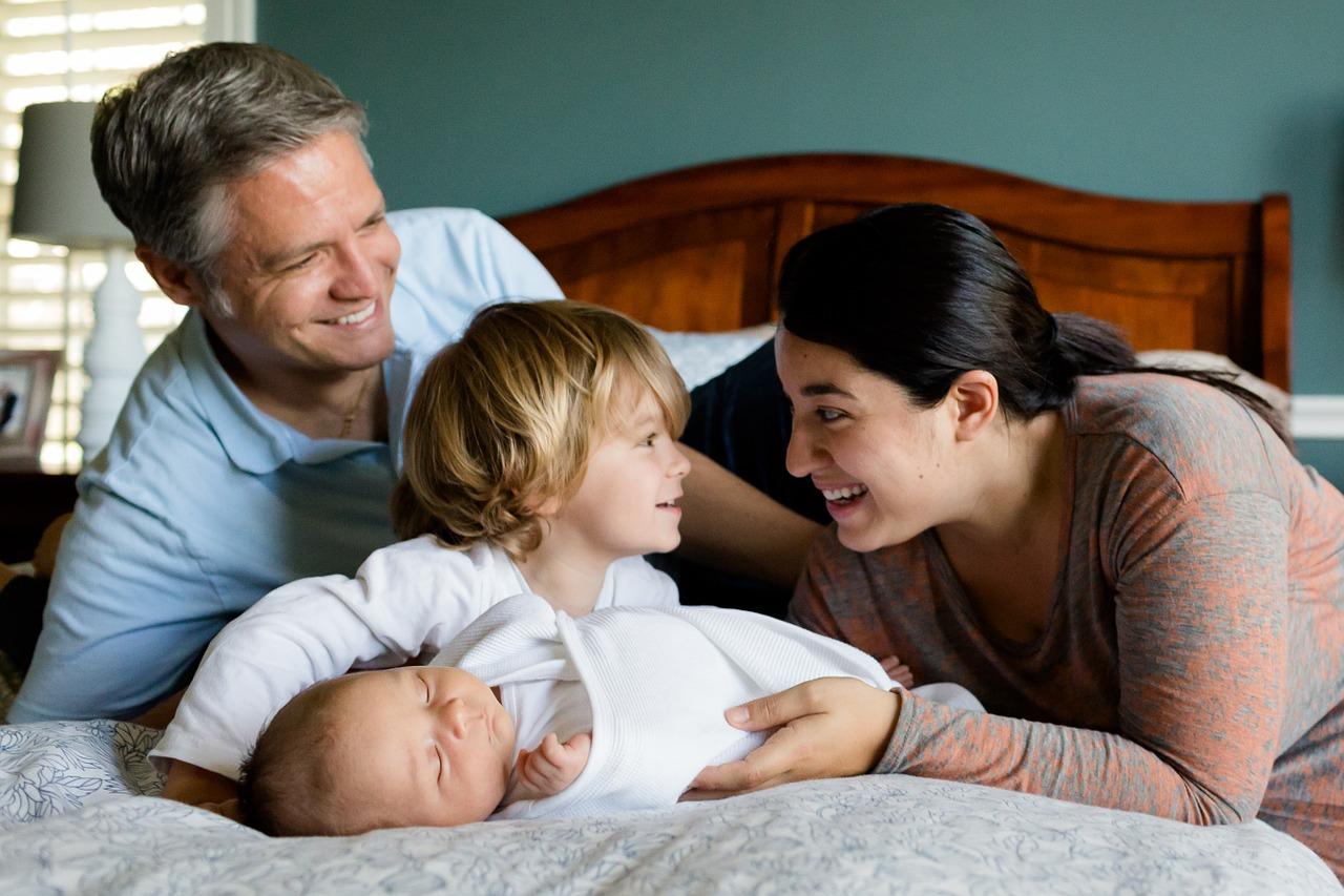 family-457235_1280