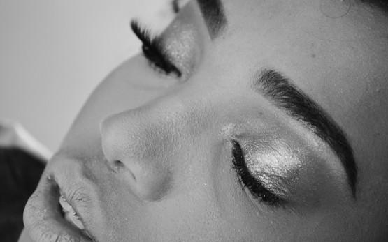makeup-5533378_1280